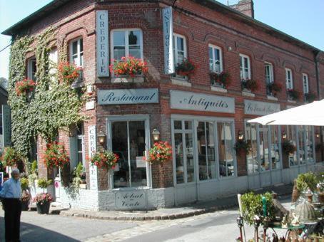 Les Lions De Beauclerc : Hotel near Bouchevilliers
