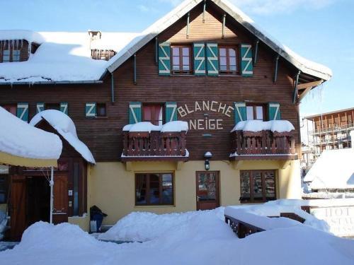 Hotel Le Blanche Neige : Hotel near La Penne