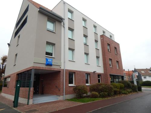 ibis budget Saint-Omer Centre : Hotel near Wardrecques
