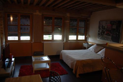 Hotel de la Tour : Hotel near Valfleury