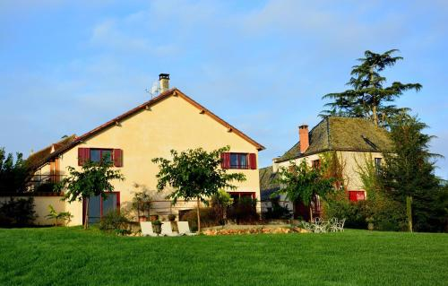 Domaine des Ormeaux : Guest accommodation near Saint-Pantaly-d'Ans