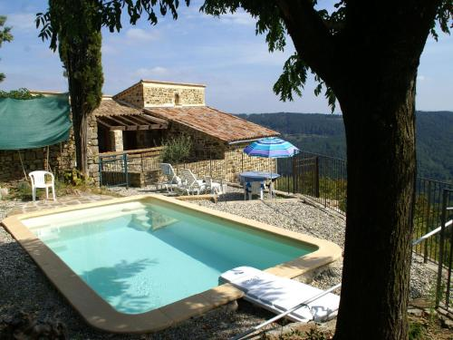 Maison De Vacances - Chassiers 2 : Guest accommodation near Chazeaux