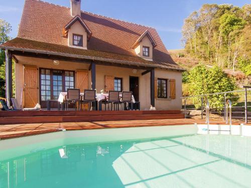 Villa Beaulieu-Sur-Dordogne : Guest accommodation near Puybrun