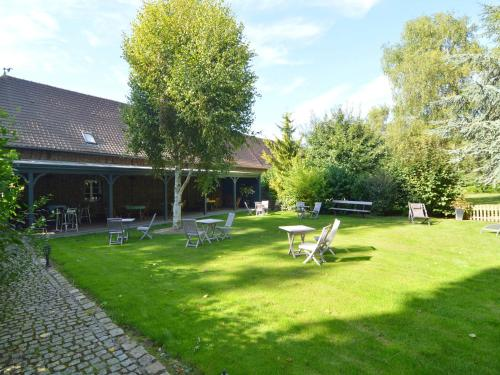 Holiday home Hirondelles : Guest accommodation near Dommartin