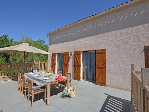 Holiday home Fã‰Lines-Minervois : Guest accommodation near Cassagnoles