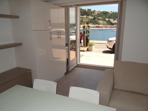 Les Pieds Dans L´eau : Apartment near Villefranche-sur-Mer