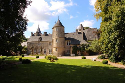 Chateau de Flottemanville : Bed and Breakfast near Neuville-au-Plain