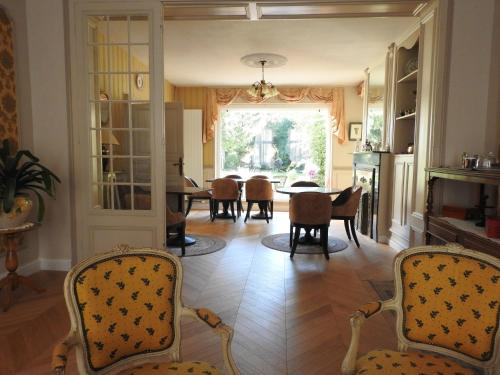 Villa Blanc Marine : Guest accommodation near Saint-Folquin
