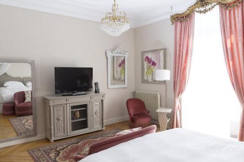 Hotel The Originals Domaine de Beaupré : Hotel near Gundolsheim