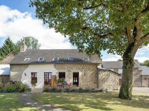 Holiday home La Vallée 1 : Guest accommodation near Lanrigan