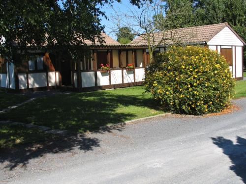 Le Champ Manlay : Guest accommodation near Saint-Germain-du-Pert