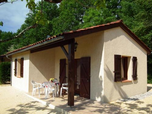 Domaine De Gavaudun - Maisonnette Du Lot : Guest accommodation near Saint-Martin-de-Villeréal