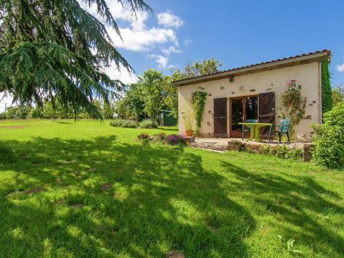 Holiday Home The Piggery St Mesmin - Near Savignacledrier : Guest accommodation near Salagnac