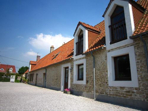 Farm stay La Renardière : Guest accommodation near Landrethun-le-Nord