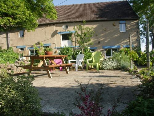 Bouron : Guest accommodation near Ronnet