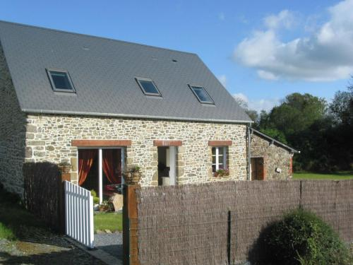 Maison De Vacances - Brainville 1 : Guest accommodation near Saint-Malo-de-la-Lande
