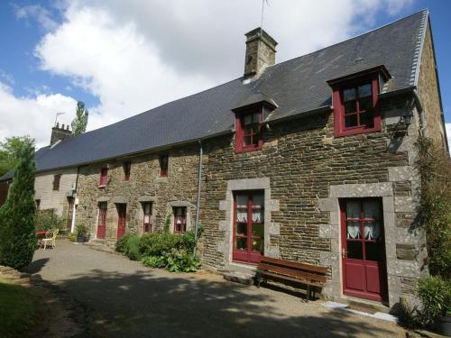 Maison De Vacances - Montaigu-Les-Bois : Guest accommodation near Cérences