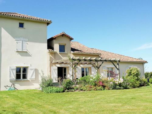 Villa La Preze 10 : Guest accommodation near Sauvagnac