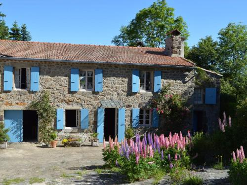 Maison De Vacances - Lanarce : Guest accommodation near Laveyrune