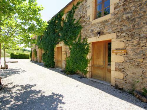 Grange La Guichardie Iv : Guest accommodation near Salagnac