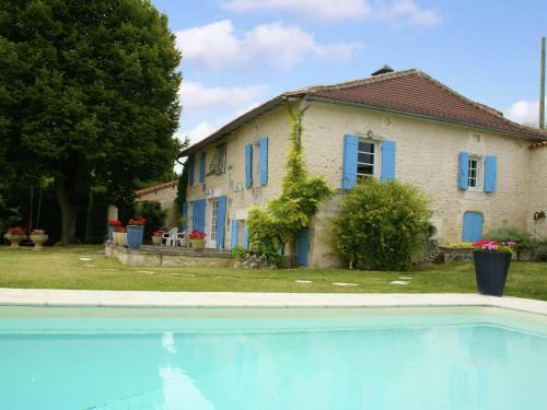Maison De Vacances - Lusignac : Guest accommodation near La Tour-Blanche