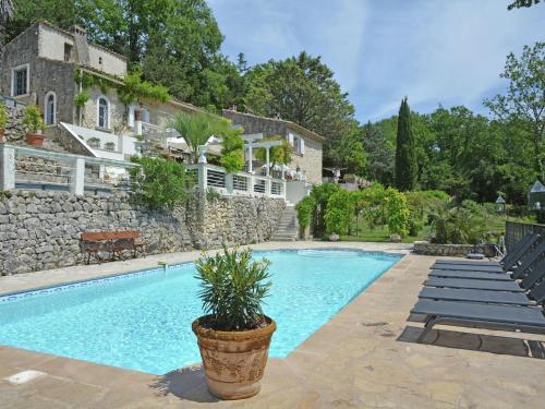 Le Pavillon III : Guest accommodation near Saint-Paul-en-Forêt