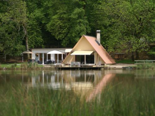 Holiday home Maison Delain : Guest accommodation near Pisseloup