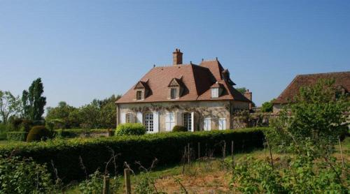 Domaine d'Aigrepont : Bed and Breakfast near Neuvy
