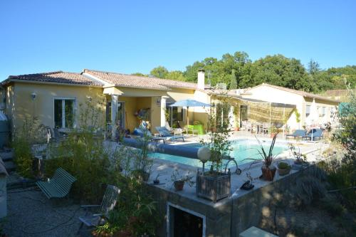 La Maison de Catherine et Thierry : Guest accommodation near Collorgues
