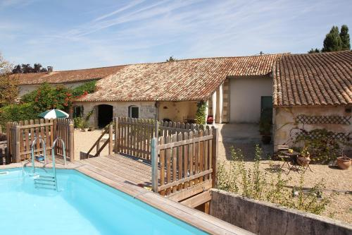 Le Lit et L'image : Guest accommodation near Mirambeau