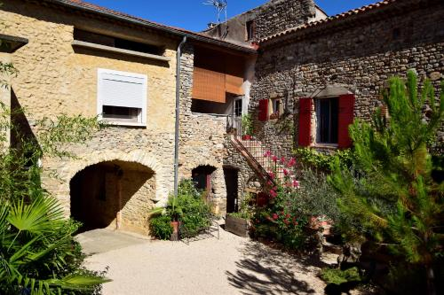 On dirait le Sud : Bed and Breakfast near Rousson