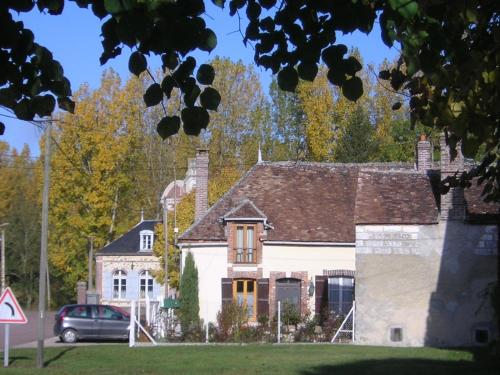 Les rives de Champagne : Guest accommodation near Hermé
