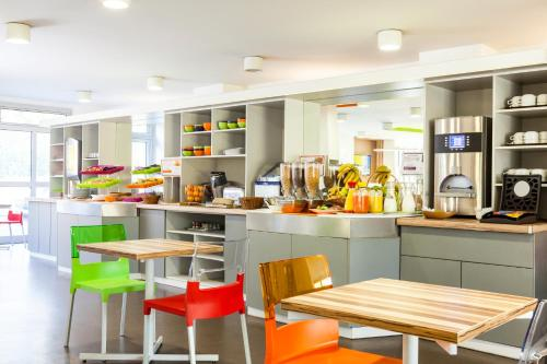 ibis Styles Paris Saint Ouen : Hotel near Saint-Denis