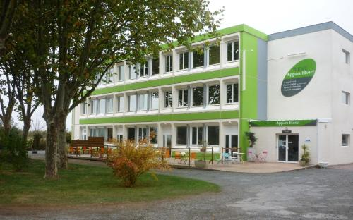 West Appart' Hôtel : Guest accommodation near Aiffres