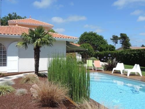 Villa Surcouf : Bed and Breakfast near Lanton