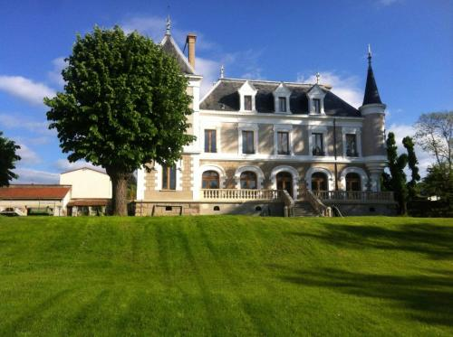 Hôtel Restaurant éclosion : Hotel near Saint-Christo-en-Jarez