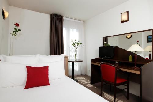 Appart'City Paris Saint-Maurice : Guest accommodation near Saint-Maurice