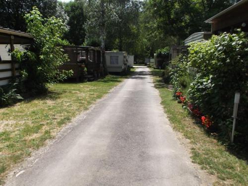 camping Les Esparnettes : Guest accommodation near Génolhac