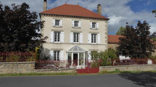 Relais des Chaux : Bed and Breakfast near Montmorin