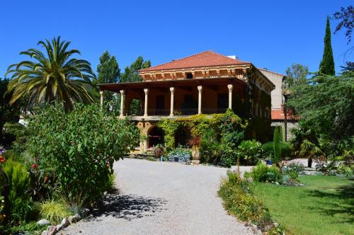 Villa Lafabregue : Bed and Breakfast near Taurinya