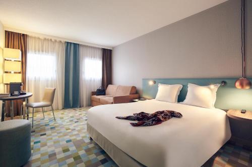 Hôtel Mercure Marne-la-Vallée Bussy St Georges : Hotel near Gouvernes