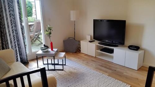 Appartement du Jardin Céleste : Apartment near Bussy-Saint-Georges