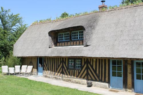 La Chaumière aux Faisans : Guest accommodation near Fourneville