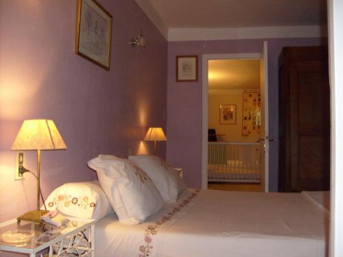 Chambre d'hôtes Au Calme de Cureine : Guest accommodation near Vedène