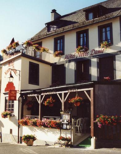 Hôtel Notre Dame : Hotel near Saint-Pierre-le-Chastel