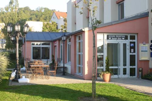 ibis Laon : Hotel near Monampteuil
