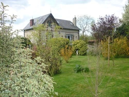 Les Champs de Tracy : Bed and Breakfast near Lassy