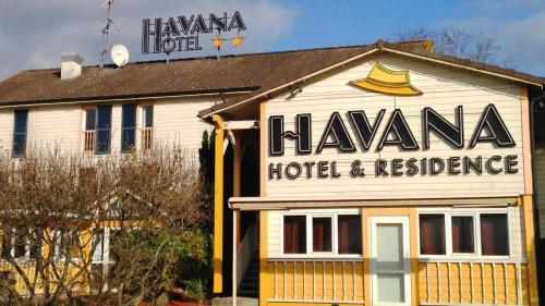 Havana Hotel et Résidence : Hotel near Courtoin