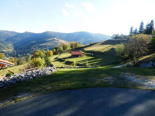 Chalet des Houssots : Guest accommodation near Ranspach