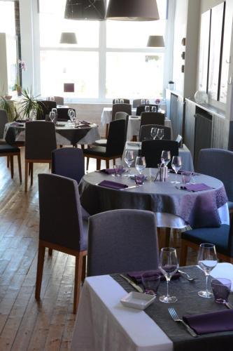 Logis Le Petit Trianon : Hotel near Trignac
